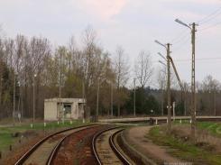 Przystanek kolejowy w Patkowie. Na zdjęciu widoczny jest nieisteniejący budynek poczekalni PKP