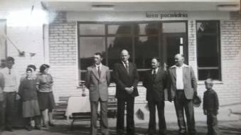 Otwarcie przystanku w Patkowie 7 maja 1977 r. Na zdjeciu stoja od lewej: Rak Tadeusz, Kuzma Tadeusz, Bernasiuk Julian, Raczuk Stefan i Włodzimierz Szymko.