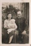 Na zdjęciu: Stanisława i Stanisław Gil z córką Celiną.