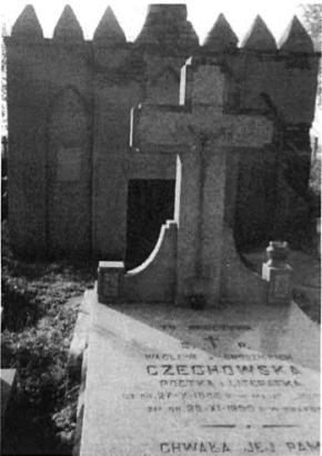 Grób poetki na cmentarzu w Niemojkach.